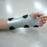 熱可塑ラミネートシート加工成形例(手関節固定装具)